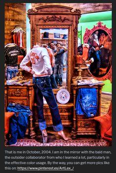 Apartes de la entrada del blog de visual merchandising, en el que se trata el tema de ambientación y señalización (material P.O.P.) en el punto de venta.  Decoración comercial y campañas publicitarias juntas al interior para un solo fin, aumentar las ventas, fidelizar los clientes y generar tráfico al interior del espacio comercial. #ArtLex_ #visualmerchandising Bald Man, Visual Merchandising, The Outsiders, Window, Display, Interior, Blog, Glass Display Case, Retail Space