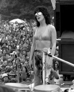 See Grace Slick pictures, photo shoots, and listen online to the latest music. Woodstock Hippies, Woodstock Music, Woodstock Festival, Rock Roll, Rock N Roll Music, Woodstock Photos, Michelle Phillips, Grace Slick, Jefferson Airplane