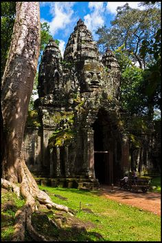 South entrance to Angkor Thom, #Cambodia... I wonder what it's like to go there and feel the spirituality of this place