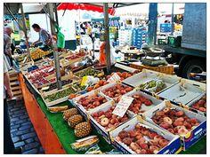 Hamburger Fischmarkt in Hamburg, Hamburg. Immer sonntags.  April bis Oktober von 5:00 bis 9:30 Uhr November bis März von 7:00 bis 9:30 Uhr
