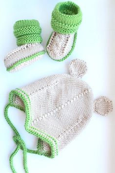 Knitted baby booties and hat, merino wool. Gift for baby. MADE TO ORDER! Knitted Baby Boots, Knit Baby Booties, Knitted Hats, Crochet Hats, Wool Yarn, Merino Wool, Baby Shower Gifts, Baby Gifts, Hat Sizes