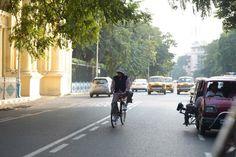 Amitabh cycles in Kolkata, says city holds 'special place' | PINKVILLA