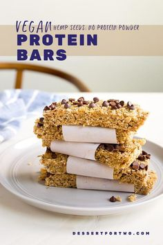 Homemade Protein Bars Recipe made with hemp seeds and that are completely vegan, too! Protein bars without protein powder. Perfect for back to school snack #proteinbars #hemp #hempseeds #hemphearts #vegan #veganprotein #veganproteinbars #backtoschool Healthy Fruit Snacks, Protein Rich Snacks, Vegan Protein Bars, Vegan Bar, Protein Bar Recipes, Protein Cake, Healthy Snack Options, Savory Snacks, Vegan Snacks