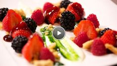 Rood fruit met een bite en basilicumstroop - Impress Your Friends | 24Kitchen