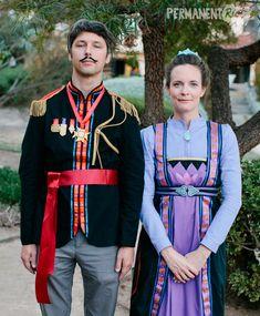Frozen parents halloween costume