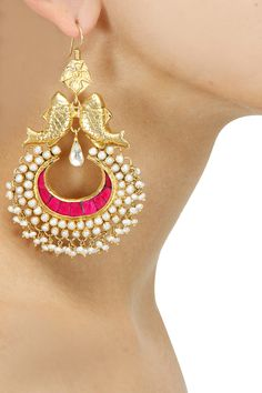 Buy Designer Earrings, Stud Earrings For Women, Diamond Earrings, Gold Plated Earrings, Designer Jewellery Online from top Indian Designers from Pernia's Pop Up Shop. Check out all the Women's Designer Earrings and shop online. Bridal Jewellery Inspiration, Bridal Jewelry, Gold Jewelry, Jewelry Design Earrings, Designer Earrings, Statement Jewelry, Jewelry Accessories, Heavy Earrings, Women's Earrings