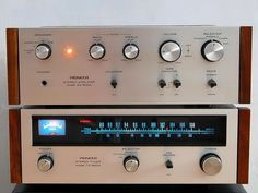 Pioneer SA-500 & TX-500 (1970) Power output: 13 watts per channel into 8Ω (stereo)