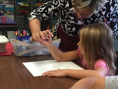 Hands on art: Kindergartners taught the basics stolen by technology (The Ephrata Review)