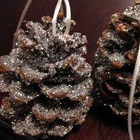 DIY::30 homemade Christmas ornaments... lots of good shabby ideas!