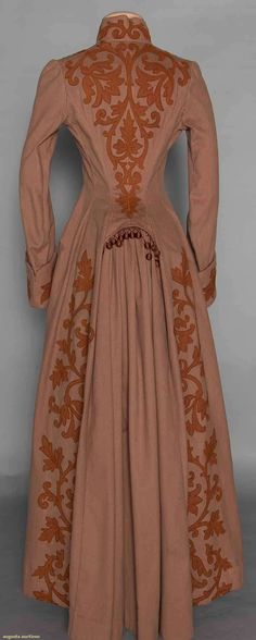 Appliqued Bustle Coat (image 4) | late 1880s | wool | Augusta Auctions | November 12, 2014/Lot 61