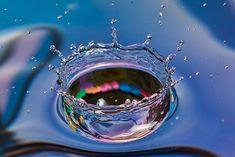 Um respingo de água colorida