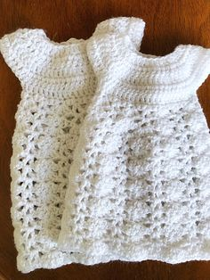 20-22   24-26 Week Preemie Gown and Bonnet by ItsyBitsyProject on Etsy c6cc27f22967