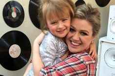 Meet River Rose Blackstock - Photos Of Kelly Clarkson's Daughter With Brandon Blackstock | eCelebrityMirror