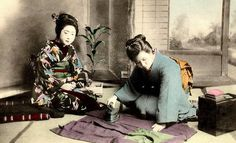 KIMONO DAYS -- Japanese Women and Their Everyday Tools