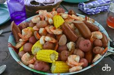 Low Country Boil  Recipe :: http://dbcolor.doodlekit.com/blog/entry/2258273/recipe-low-country-boil#