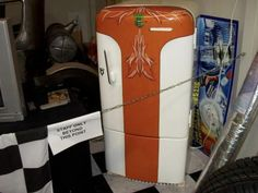 Pinhead Lounge Pinstriping Archive - Pinstriping and hand lettering image and photo viewer Paint Refrigerator, Painted Fridge, Brush Lettering, Hand Lettering, Vintage Fridge, Pinstripe Art, Beer Fridge, Paint Line, Man Cave Garage