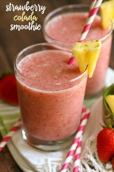Strawberry Colada Smoothie - our new favorite smoothie filled with strawberries, pineapple, coconut milk, yogurt and more. { lilluna.com }