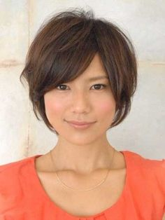 30 Cute Short Hairstyles - bob with side swept bangs and messy arrangement