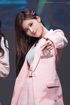 "Sana-Twice 180428 ""What is Love? Nayeon, K Pop, Kpop Girl Groups, Korean Girl Groups, Kpop Girls, Sana Kpop, Tzuyu And Sana, Snsd Yuri, Sana Cute"
