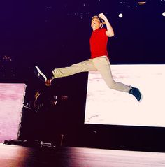 How can he do that? It must be 'cause he's Irish. There's no other explination.....