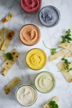 6 shades of hummus - houmous - Raw Food Recipes Healthy Food Alternatives, Raw Food Recipes, Veggie Recipes, Healthy Recipes, Hummus, Tapas, Food Porn, Party Finger Foods, I Foods