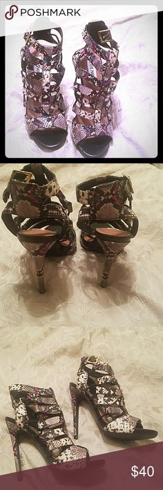 STEVE MADDEN reptile heels Like new reptile strappy heels by Steve Madden, size buckle at ankle, size 7, rubber sole,accepting all reasonable offers, bundle for discounts Steve Madden Shoes Heels