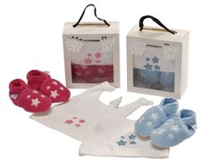 Hat and slipper sets from Daisy Roots. www.daisy-roots.com Baby Christening Gifts, Christmas Stockings, Roots, Daisy, Baby Shoes, Slippers, Packaging, Hat, Holiday Decor
