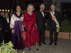 Prince Charles Photos Photos - Prince Charles, Prince of Wales and Camilla, Duchess of Cornwall attend a Gala Dinner at Palazzo Vecchio with the Mayor of Florence Dario Nardella and his wife during day 4 of their visit to Italy, on April 3, 2017 in Florence, Italy. The Prince of Wales will be presented with the Renaissance Man of the Year Award. - The Prince of Wales and Duchess of Cornwall Visit Italy - Day 4