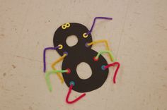 Number 8 spider - a few learning experiences in one craft (one-to-one correspondence, number recognition, and increase fine motor skills)! Teaching Numbers, Numbers Preschool, Classroom Activities, Preschool Activities, Spider Crafts, Letter A Crafts, Toddler Crafts, Number Recognition, Arithmetic