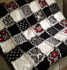 Black and White Bold Graphic Rag Quilt Throw with Red Hawaiian Quilt print.