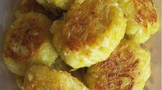 Капустные котлеты хороши с любыми крупами и овощами! Ингредиенты: капуста — 1 килограмм лук — 1 штука чеснок — 3-4 зубчика мука — 120 грамм крупа манная — 80 грамм укроп — по вкусу петрушка — по вкусу сухари панировочные — по вкусу соль — по вкусу перец — по вкусу Приготовление: 1. Капусту разрежьте на 3–4 части, положите в кипящую подсоленную воду и варите 10–15 минут до мягкости. Воду слейте, …