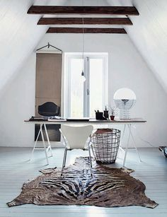French By Design: House Tour : At home with Joséphine - nice home office Home Interior Design, Interior Styling, Interior Architecture, Interior Work, Interior Modern, Minimalist Interior, Interior Decorating, Piece A Vivre, Home Office Decor