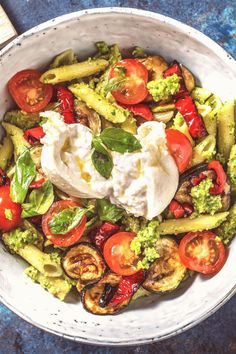 #Easy #italian #recipes #mit #italienische Italienische PastaBowl mit Burrata Rezept  HelloFresh  RudiGesundeRezeptebrp classfirstletterrudigesunderezepte and The biggest seductively impression at PinterestpHere we offer the highest splendidly icon about pastabowl that you are looking forBy examining the italienische part of the piece you can get the massage we want to offer You can see that this icon is acclaimed by everyone and the quality observed in the quantity of 197 By following our… Italian Pasta Bowls, Italian Bowl, Hello Fresh Recipes, Salad Recipes, Healthy Recipes, Pesto Pasta, Basil Pesto, Pasta Noodles, Avocado Pasta