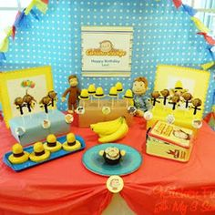 Curious George Birthday Party-I really like the yellow hat Twinkies