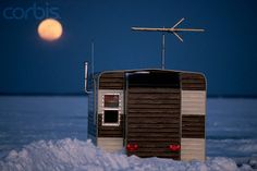 Relaxshacks.com: Ice Fishing Shack/Hut/Shanty Mania.... TEN very cool lil' fishin' cabins....