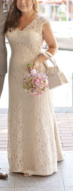 ♥ Brautkleid Modeca Pilar A Spitzenkleid Vintage Gr. 38 creme elfenbein ♥  Ansehen: http://www.brautboerse.de/brautkleid-verkaufen/brautkleid-modeca-pilar-a-spitzenkleid-vintage-gr-38-creme-elfenbein/   #Brautkleider #Hochzeit #Wedding