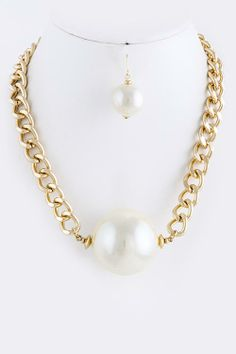 BULKY PEARL BALL ACCENT NECKLACE SET