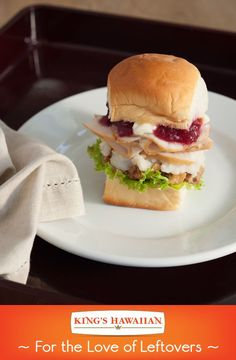 Thanksgiving leftovers anybody? Turkey Cranberry sliders will be sure to hit the post-Thanksgiving spot.