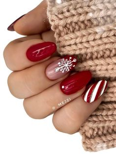 Most Beautiful and Attractive Red Christmas Nails 2019 Red Chrome Nails, Dark Red Nails, Black Nails With Glitter, Hot Pink Nails, Purple Nails, Acrylic Nails Almond Shape, Almond Acrylic Nails, Pink Acrylic Nails, Almond Nails