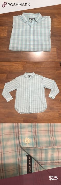Michael Kors Dress Shirt Michael Kors Dress Shirt 👔 classic fit in excellent condition no visible wear or tear. REASONABLE OFFERS ALWAYS CONSIDERED NO TRADES Michael Kors Shirts Dress Shirts