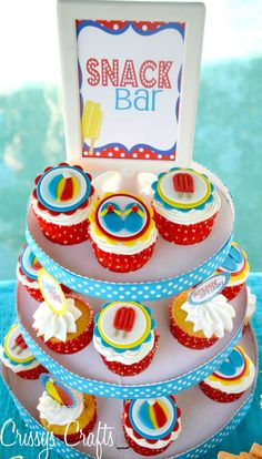 Pool Party themed Cupcakes.  Yes, please!!  Creative and unique summer treat ideas by Crissy's Crafts.