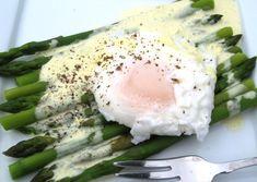 Colombian Huevo con asparagus