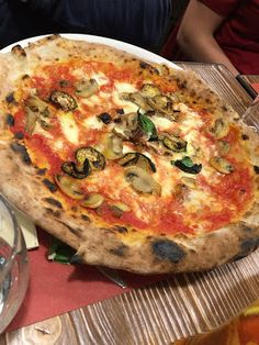 Vegetarian pizza   Living in Sin: Nice - Ristorante Pizzeria Caruso - Pizza delivered by Take Eat Easy + Restaurant Visit