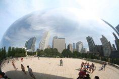Chicago Millennium Park: the reflective Cloud Gate sculpture