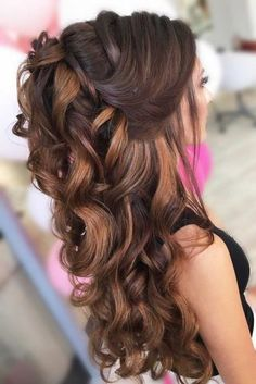 30 Awesome Braided Half Up Half Down Hairstyles for Your Prom 30 Awesome Braided Half Up Half Down Hairstyles for Your PromBraids have been a part of our culture for ages now; they manage to make anybod Prom Hairstyles For Short Hair, Elegant Hairstyles, Down Hairstyles, Wedding Hairstyles, Braided Hairstyles, Half Up Half Down Hair Prom, Prom Hair Down, Short Hair Styles, Natural Hair Styles