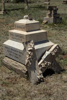 The President Brand Cemetery is disturbing in many ways: there is a memorial to the women and children who died in the Anglo-Boer War; there are graves of young men who died, both in combat and from disease; Free State, African History, Cemetery, South Africa, Presidents, War, London, Travel, Viajes