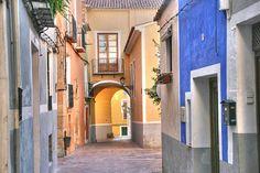 Carrer dels Arxius. http://trapatroles.wordpress.com/2008/11/10/la-vila-joiosa-alicante/#