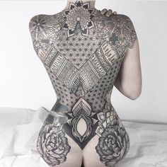 By @anagodoytattoo #sacredgeometry #sacredgeometrytattoo #blackwork #linework #mandala #mandalatattoo #backpiece #backtattoo #womenwithink #womenwithtattoos #wowtattoo #ink #inked #inkedlife #inkedwomen #inkedgirls #girlswithink #girlswithtattoos...