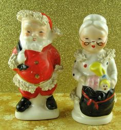 Napco Mr & Mrs Claus Christmas Salt and Pepper Shakers