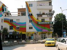 03._152279503_597cf25253_tirana_albania_painted_appartment_buildings_photo_tpierce1.jpg (610×460)
